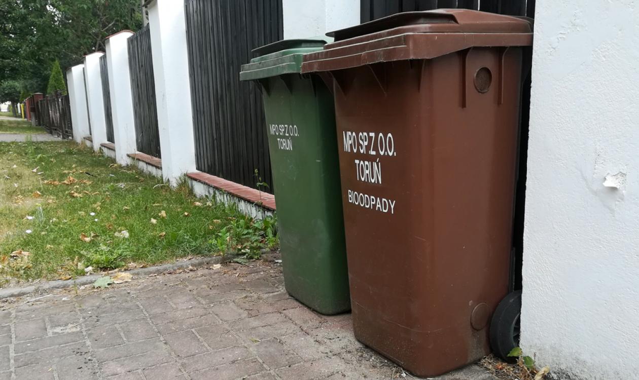 Zestaw pojemników na odpady